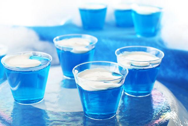 Lagos de gelatina azul JELL-O con copos de nieve Image 1