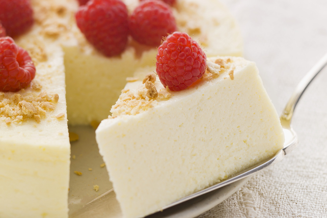 Slow-Cooker Cheesecake with Raspberries Image 1