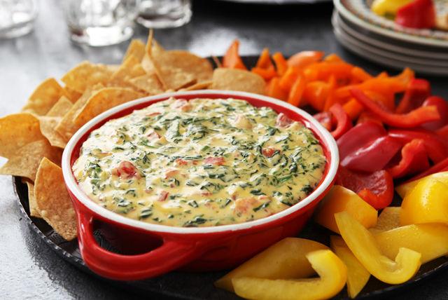 Dip picosito de espinacas y queso VELVEETA Image 1