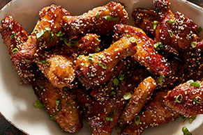 Crispy Honey Garlic Sriracha Wings
