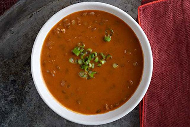 Cremosa sopa de lentejas en olla de cocción lenta Image 1