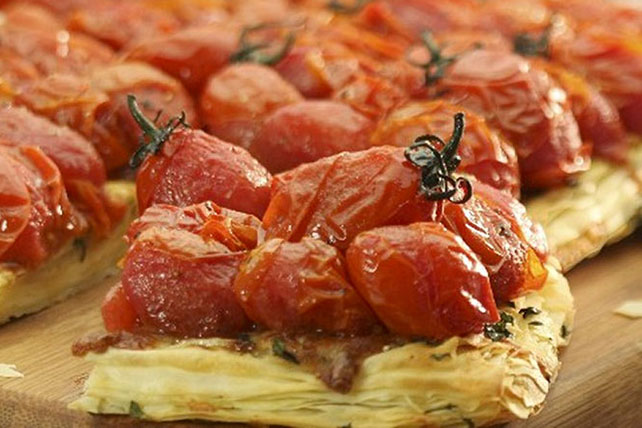 Easy Tomato Puff Pastry Appetizer Image 1