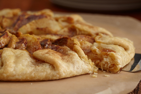 Easy Free-Form Caramel Apple Pie