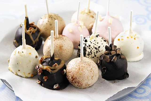 Chocolate-Dipped Cake Pops Image 1