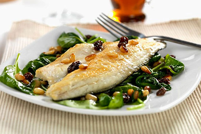 Whitefish Fillets on Spinach for Two Image 1