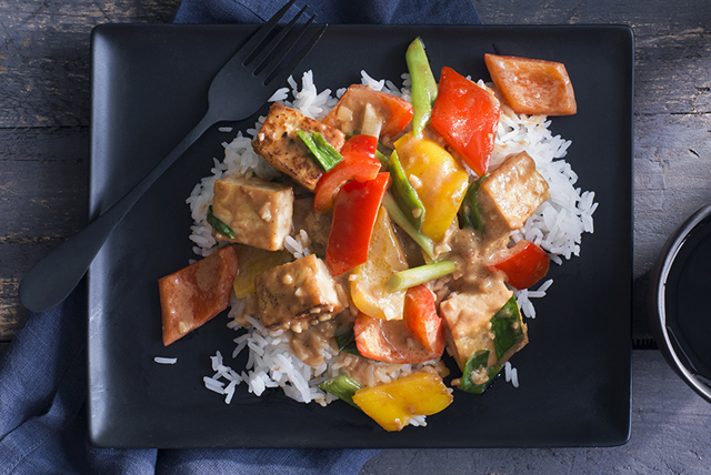 Vegetarian Stir-Fry with Spicy Peanut Sauce Image 1
