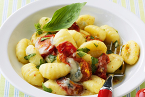 Gnocchi with Mozzarella, Tomatoes and Basil
