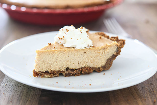Gingerbread Cheesecake Pie Image 1
