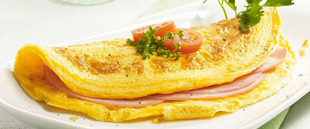 Cheesy Omelet with Ham & Tomato Image 1