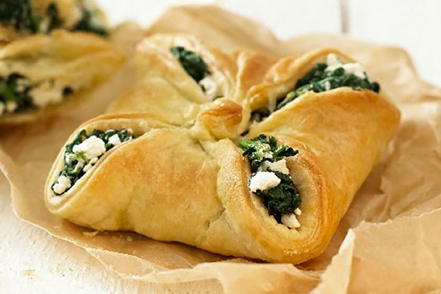Spinach and Feta Bundles Image 1