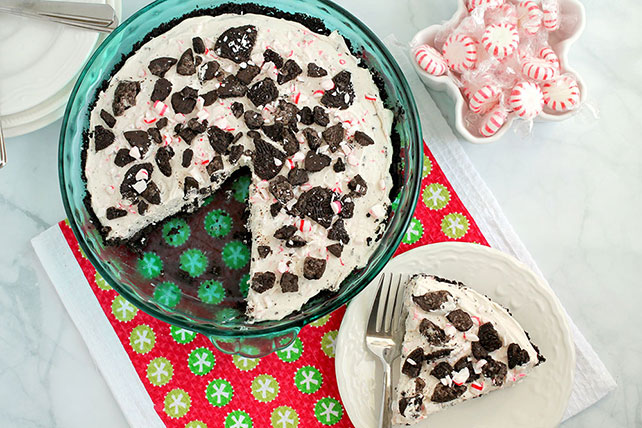 No-Bake Peppermint Cookie Pie Image 1