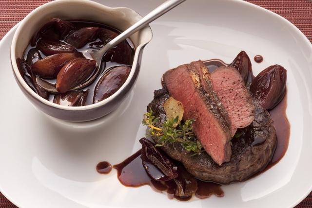 Rôti de bœuf et sauce balsamique aux échalotes Image 1