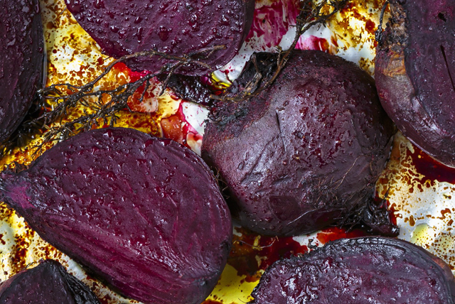 Balsamic Roasted Beets with Thyme Image 1