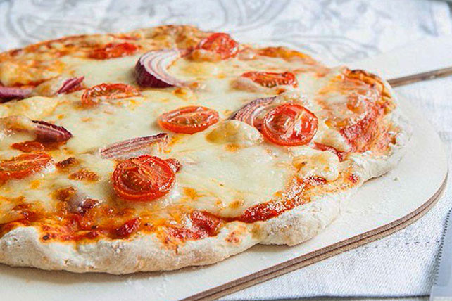 Tomato and Onion Pizza Image 1