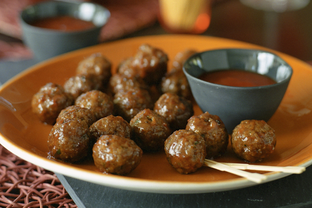 Bold 'n Saucy Appetizer Meatballs Image 1
