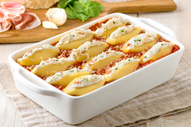 Four Cheese Alfredo-Stuffed Shells Image 1