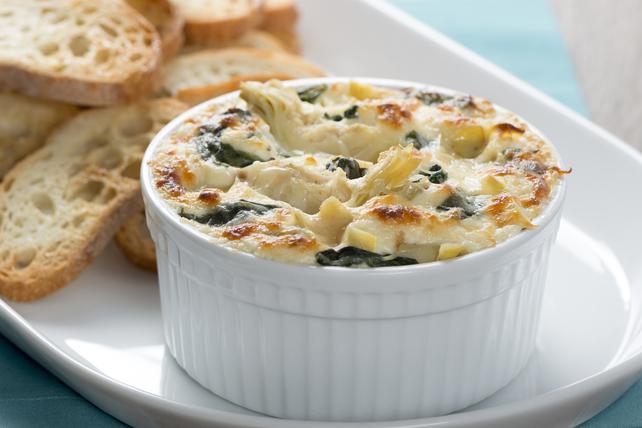 Trempette chaude à la vinaigrette César, au fromage asiago et aux épinards Image 1