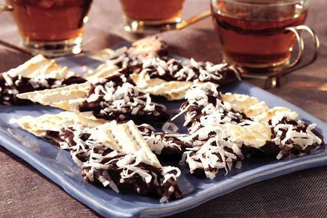 Chocolate-Dipped Matzos for Passover Image 1
