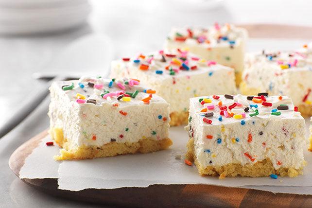 Barres sans cuisson façon gâteau d'anniversaire au fromage Image 1