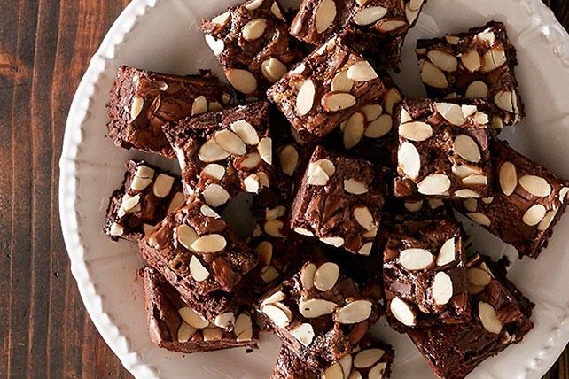Caramel Chunk Brownies Image 1