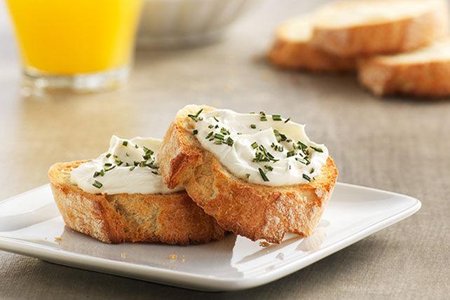 Crostinis au fromage à la crème et au romarin Image 1