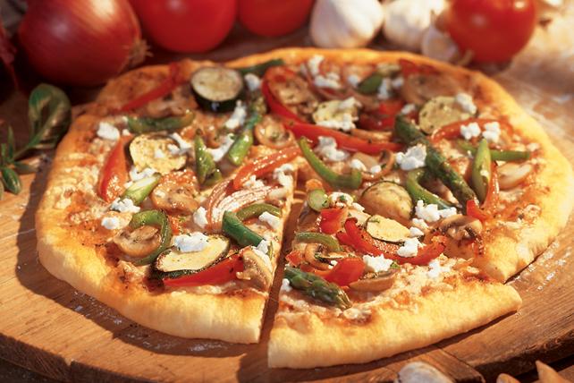 Pizza aux légumes grillés, aux tomates et au pesto Image 1