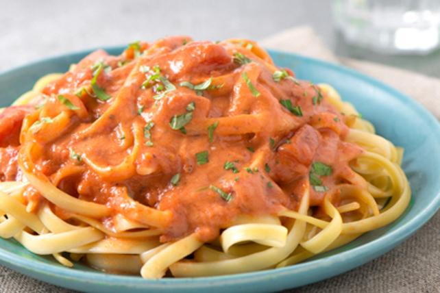 Fettucines sauce rosée à la crème et aux tomates Image 1