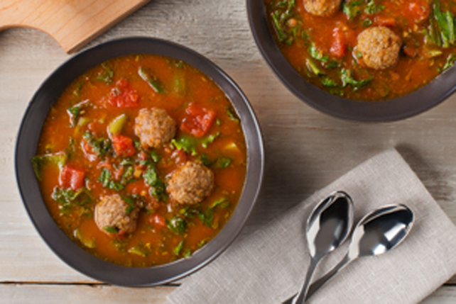 Soupe à l'escarole et aux boulettes de viande Image 1