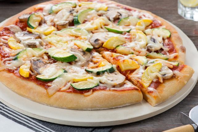 Pizza primavera aux tomates séchées au soleil Image 1