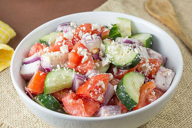 Salade villageoise aux tomates et au féta Image 1