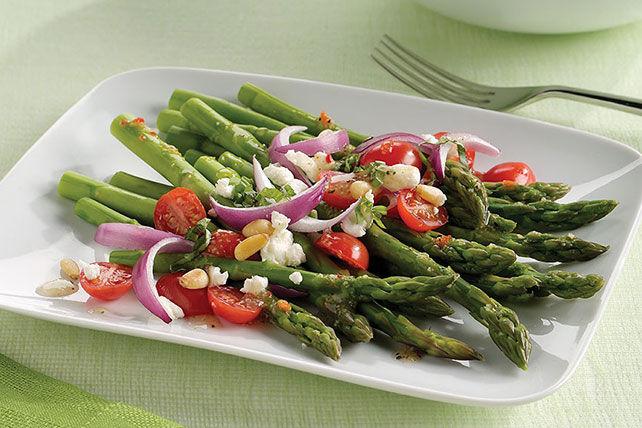 Salade aux asperges, aux tomates et au fromage de chèvre Image 1