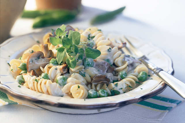 Rotini with Mushrooms and Peas Image 1