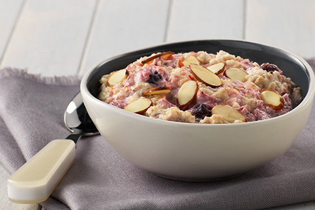 Creamy Berry-Almond Oatmeal Image 1