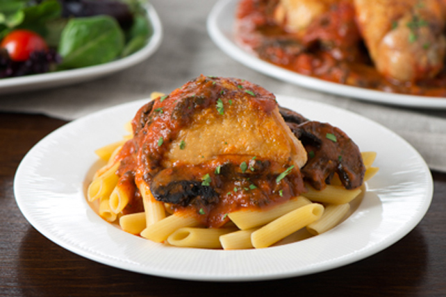 Chicken Florentine with Mushrooms and Penne Image 1