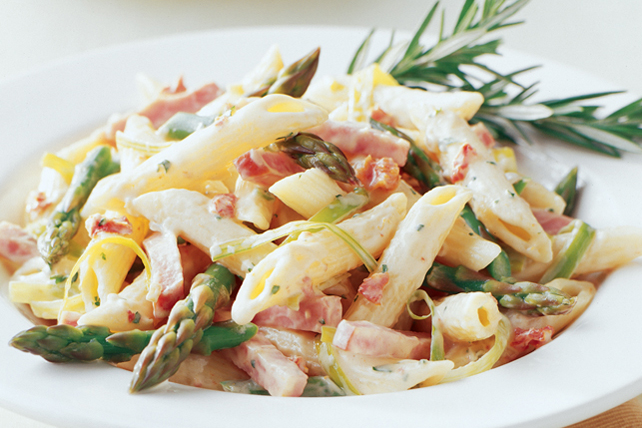 Penne with Leeks, Smoked Ham and Asparagus Image 1