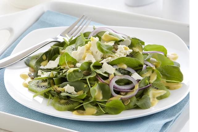 Salade au miel et à la moutarde de Dijon avec graines de citrouille grillées Image 1