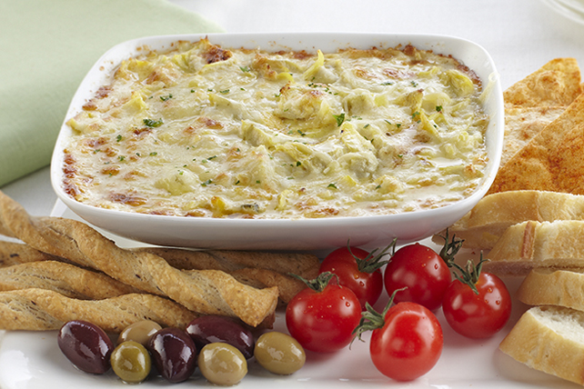 Cheesy Hot Artichoke Dip Image 1