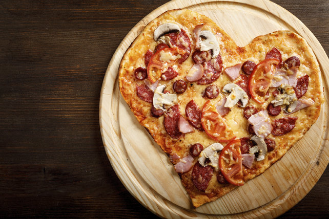 Pizza classique pour amateurs de viande façon pizzeria Image 1