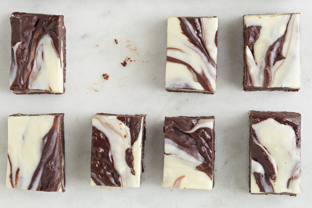 Fudge aux deux chocolats et à la noix de coco Image 1
