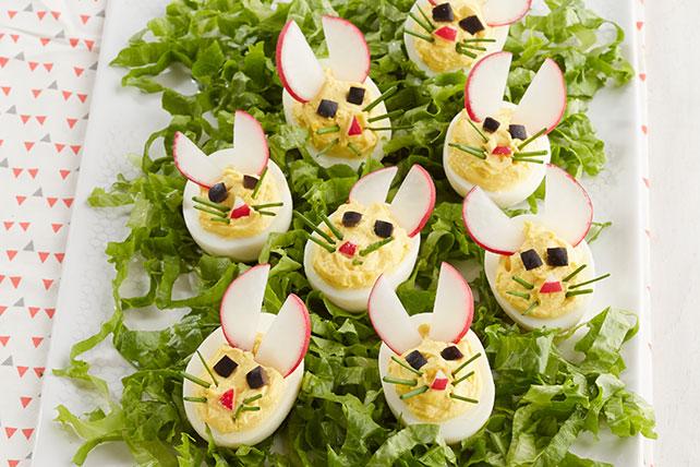 Conejitos fáciles con huevos rellenos Image 1