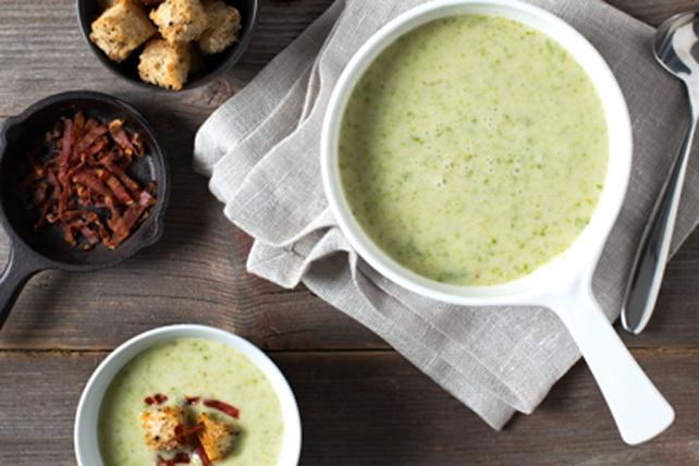 Soupe crémeuse aux asperges et au prosciutto Image 1