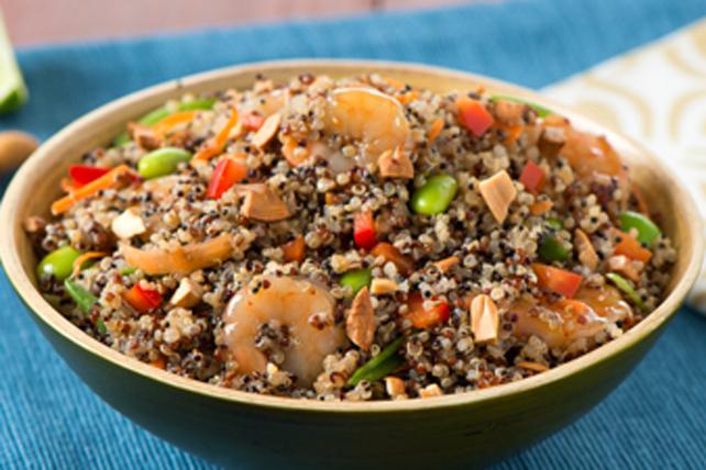 Salade de quinoa aux crevettes et aux noix de cajou croquantes Image 1