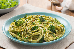 Arugula-Pesto Linguine with Lentils