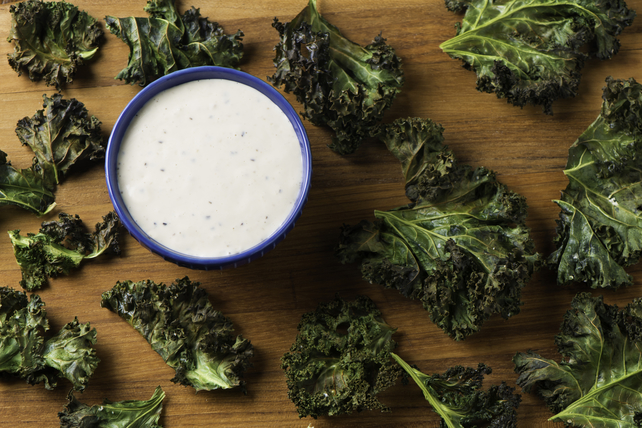 Crispy Kale Chips with Roasted Garlic Dressing Image 1