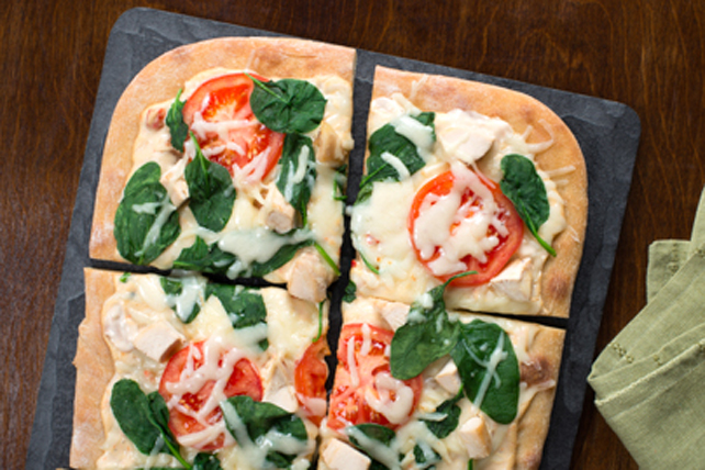 White Chicken Spinach Pizza Image 1