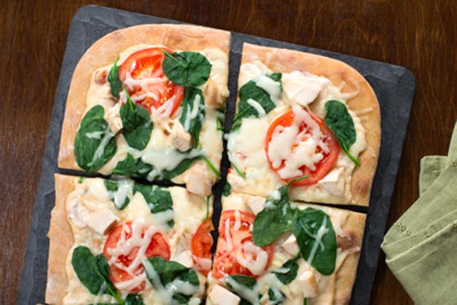 Pizza blanche au poulet et aux épinards Image 1