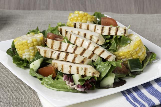 Salade au poulet grillé, au maïs et à la vinaigrette Campagne Image 1