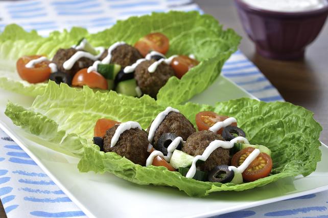Boulettes de viande à la grecque sur feuille de laitue Image 1