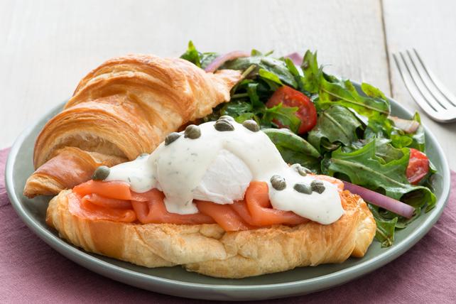 Sandwichs aux œufs bénédictine et au saumon fumé Image 1