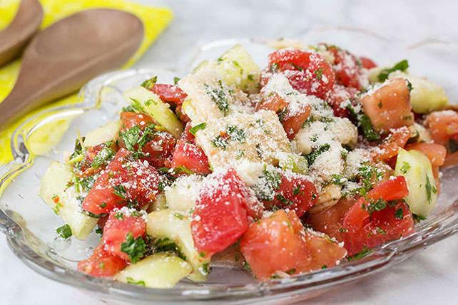 Salade fattouche au concombre Image 1